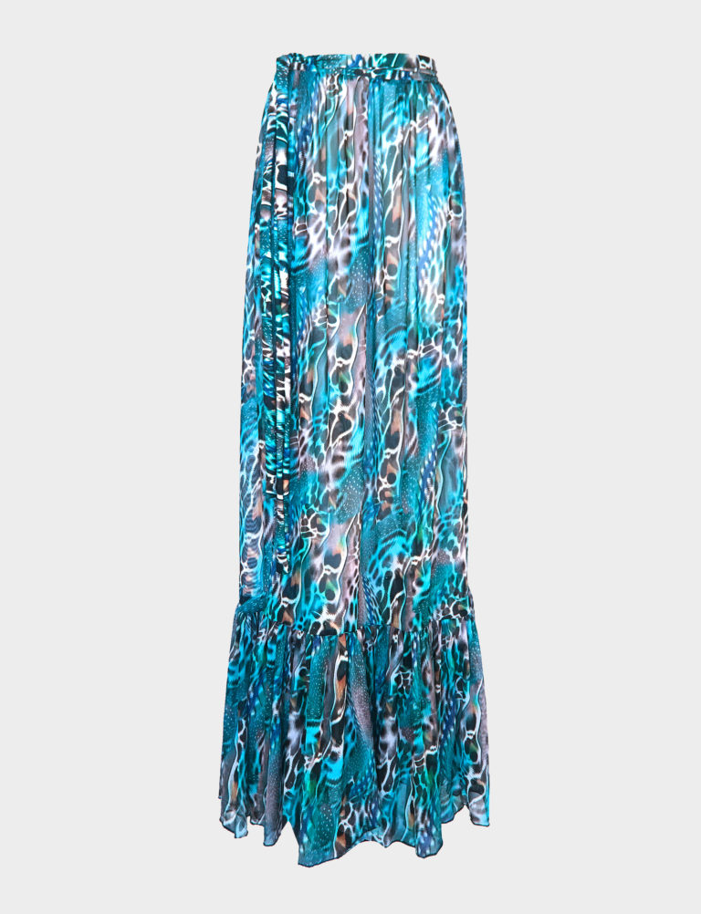 When warmer climes beckon, we love nothing more than a lightweight, breezy piece like the Lucia maxi skirt. It's cut from our signature Posidonia print sheer stretch mesh and is detailed with a ruffled tier through the floaty hem and ties to cinch the narrowest part of your waist. Perfect for wearing beachside or out-and-about in town, we love it paired with the matching Posidonia print bikini set.