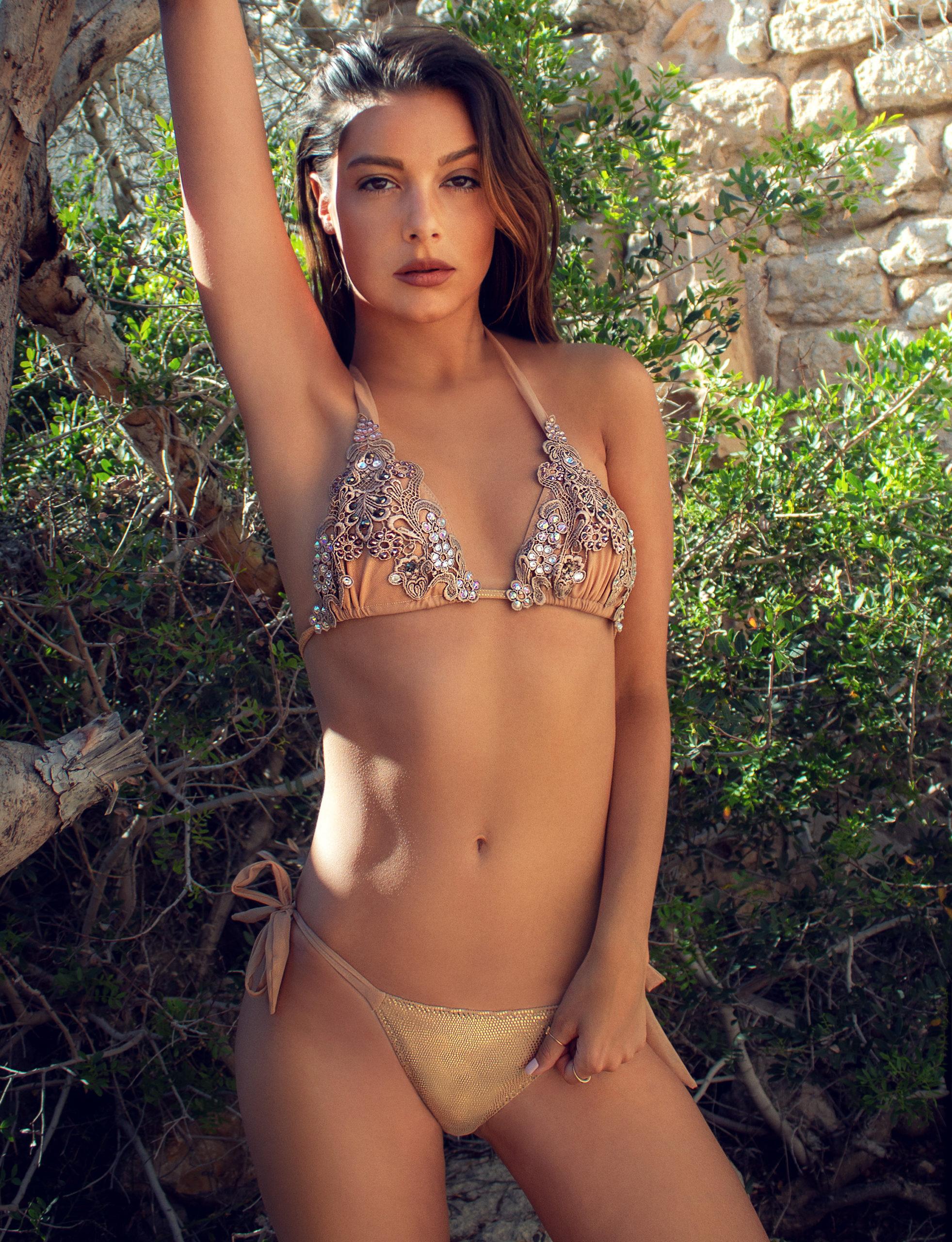 bikini Leahs gold
